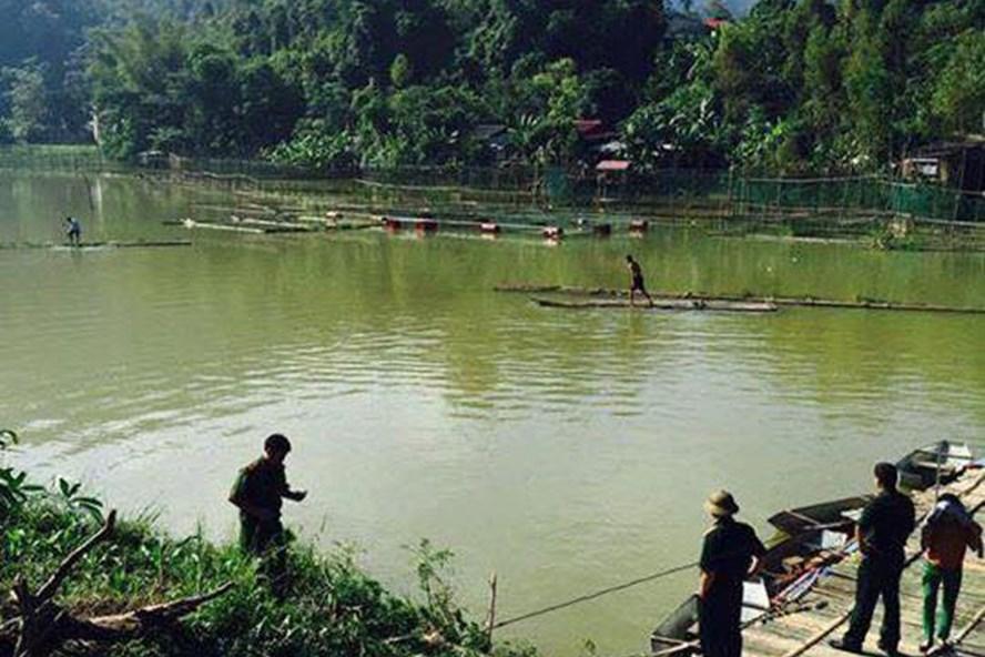 Khúc sông nơi xảy ra vụ việc. Ảnh: Hoàng Việt Hưng.