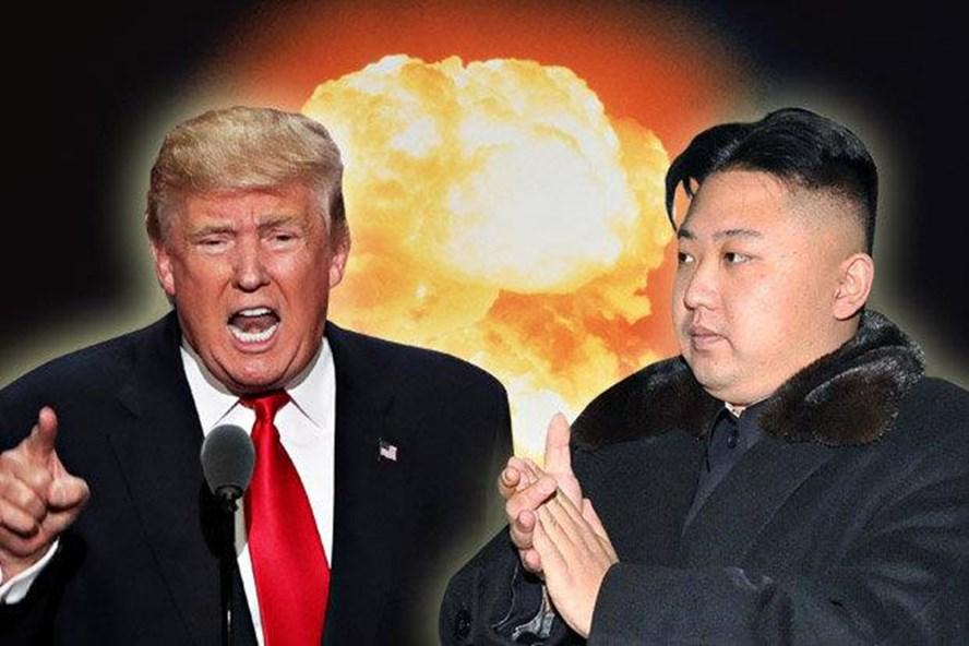 Ông Kim Jong-un cảnh cáo ông Donald Trump sẽ phải trả giá đắt. Ảnh: Express