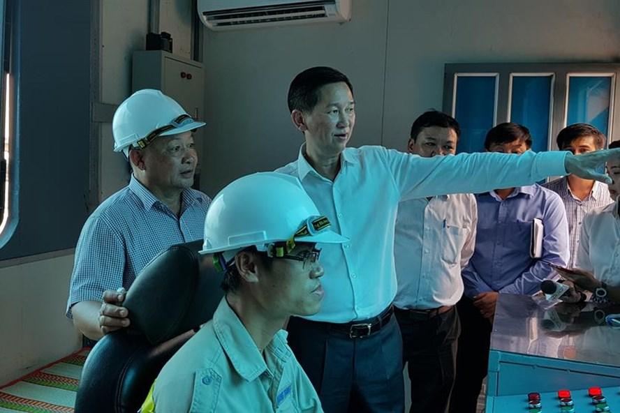 Phó Chủ tịch TPHCM Trần Vĩnh Tuyến thăm siêu máy bơm chiều 22.9