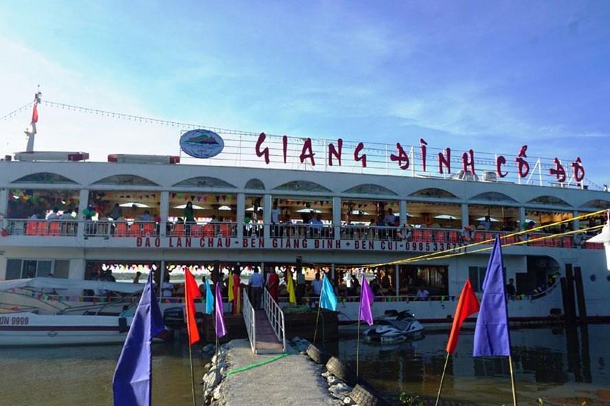 """Du thuyền """"Giang Đình cổ độ"""" có sức chứa 340 du khách"""