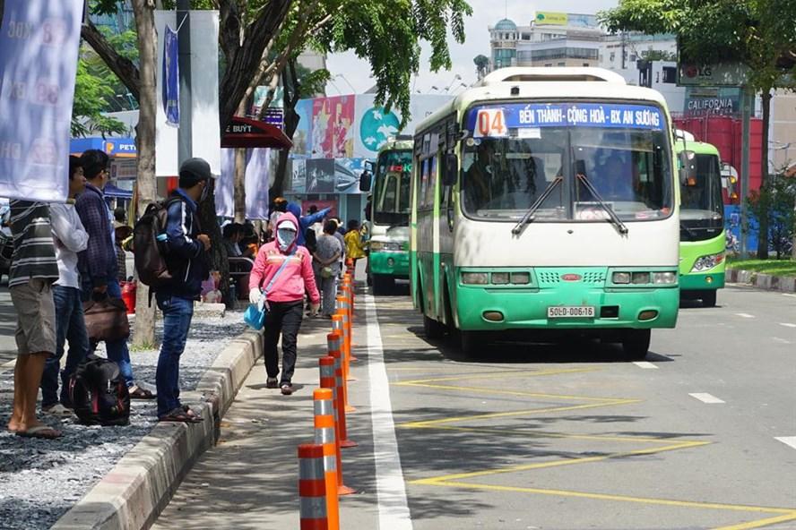 Công tác trợ giá xe buýt cho học sinh trên địa bàn TPHCM chưa phù hợp với tình hình thực tế.   Ảnh: M.Q