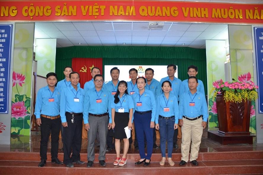 BCH CĐ các KCN tỉnh Sóc Trăng lần thứ II nhiệm kỳ 2018 – 2023 ra mắt Đại hội.