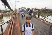 Người dân còn phải nín thở qua cầu Long Kiển thêm 2 năm nữa