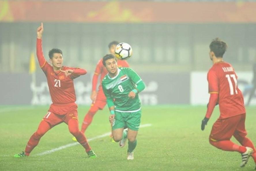 Cư dân mạng cho rằng quyết định của trọng tài đã làm thay đổi thế trận giữa U23 Việt Nam và U23 Iraq. Ảnh chụp màn hình.