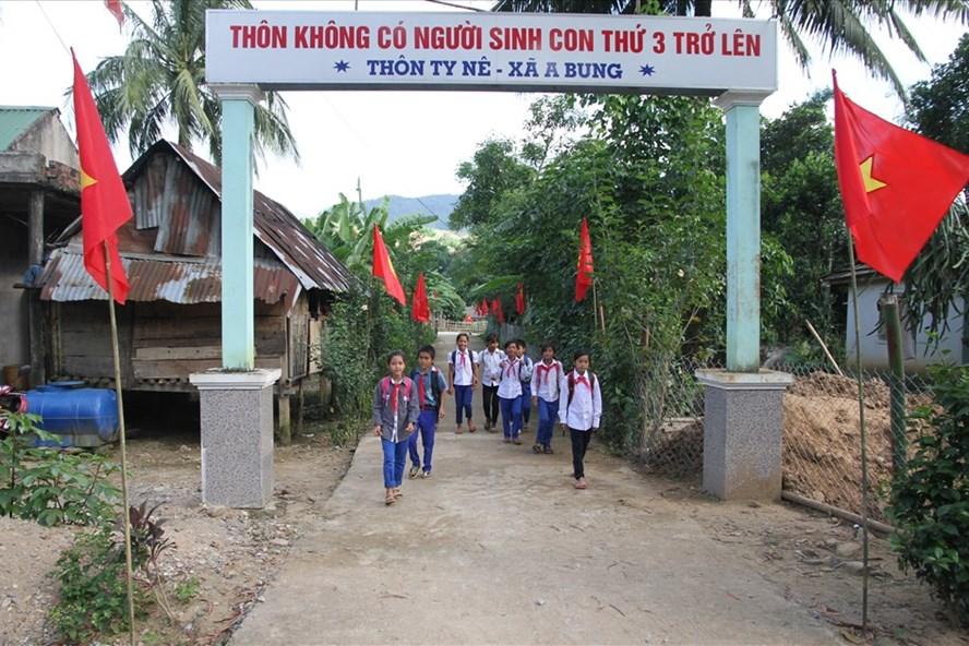 Bản làng thực hiện cuộc vận động không sinh con thứ 3 tại Quảng Trị. Ảnh: Hưng Thơ.