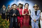 Phan Thị Mơ nổi bật với đầm đuôi cá trong show trình diễn thời trang
