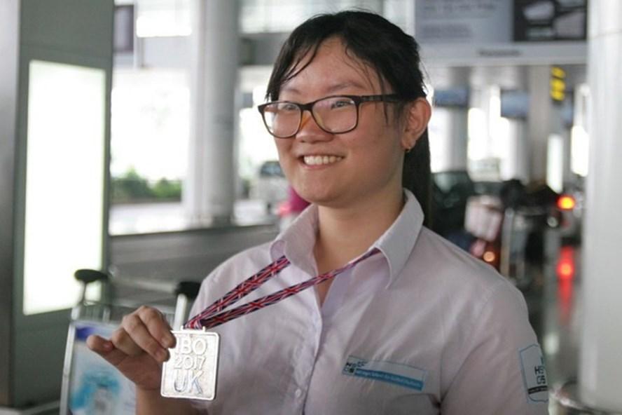 Nguyễn Phương Thảo - nữ sinh đạt tổng điểm cao nhất cuộc thi Olympic quốc tế 2018. Ảnh: Thu Hương