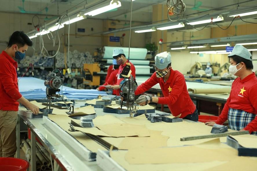 Ngành dệt may Việt Nam có nhiều cơ hội và thách thức khi Việt Nam và EU ký Hiệp định EVFTA. Ảnh: HẢI NGUYỄN