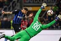 Giằng co kịch tính, AC Milan thua đau Inter phút bù giờ