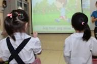 Học ngoại ngữ theo phong trào chỉ làm hại con trẻ