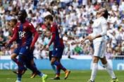 """Đồng loạt 3 """"ông lớn"""" Real, Barca và Bayern cùng sa sút: Đáy hình sin của một chu kỳ"""
