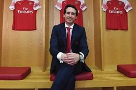"""Arsenal hồi sinh với chuỗi 10 trận thắng: """"Nhà cách mạng"""" tài ba Unai Emery"""