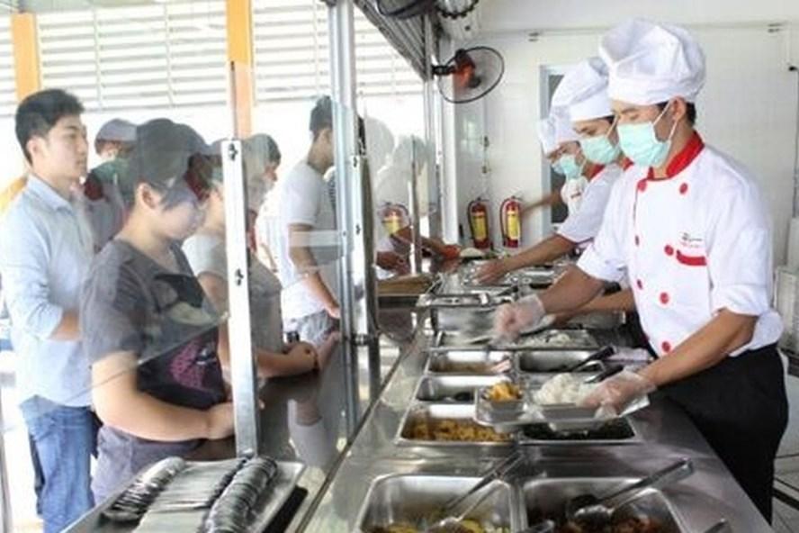Bếp ăn tập thể đảm bảo mới hết lo ngộ độc thực phẩm