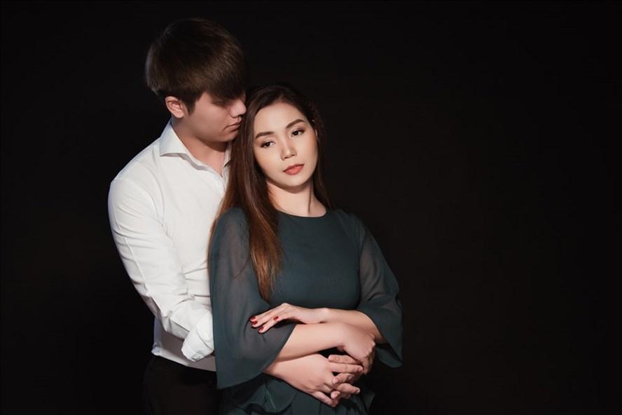 Nguyễn Ngọc Anh tủi phận đàn bà bị phụ lòng cùng Phạm Phương Thảo trong MV mới.