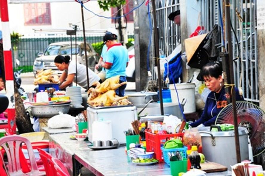 Thức ăn đường phố sẽ được kiểm tra chặt chẽ trong thời gian tới