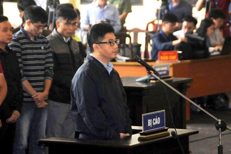 Bị cáo Nguyễn Văn Dương khai tại tòa. Ảnh CN.