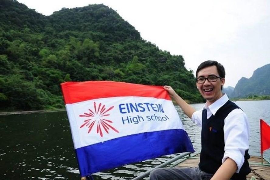 Thầy Đào Tuấn Đạt kêu gọi phụ huynh tặng phong bì để lấy tiền mua chăn ấm, tặng giáo viên vùng cao.