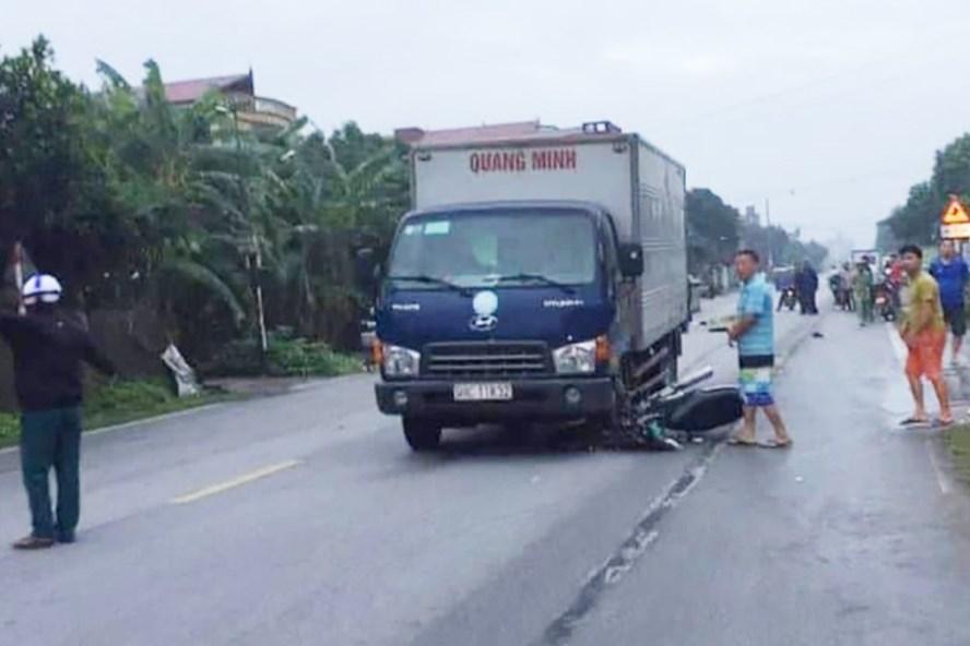 Hiện trường nơi xảy ra vụ tai nạn giao thông. Ảnh: VĐ.
