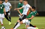 Thiếu vắng siêu sao, kẻ đóng thế giúp Argentina thắng Mexico 2 - 0