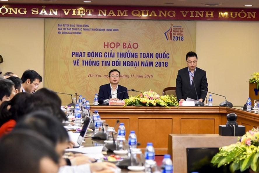 Hình ảnh tại cuộc họp báo. Ảnh: Hồng Nguyễn.