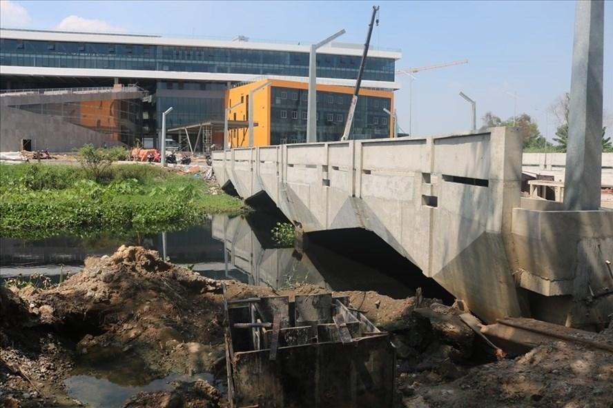 Trước sự phản ánh của người dân, trường Đại học Văn Lang đã có thông tin phản hồi.