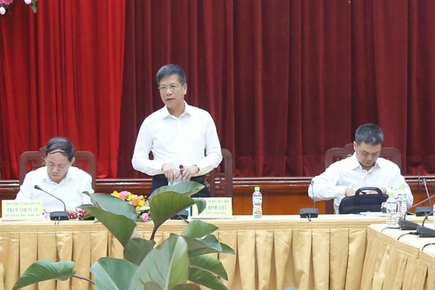 Phó Tổng giám đốc BHXH Việt Nam Trần Đình Liệu chủ trì hội thảo. Ảnh: L.T