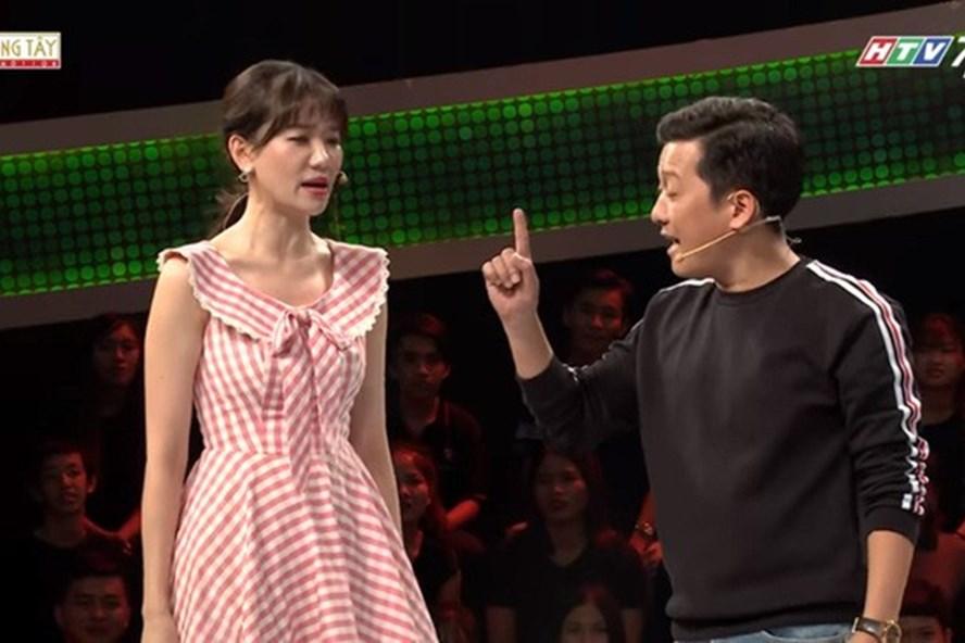 Trường Giang và Hari Won tranh cãi trên sóng truyền hình.