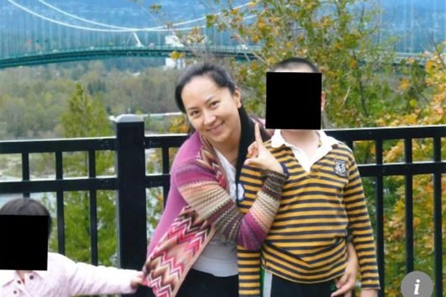 Ảnh chụp bà Mạnh Vạn Châu và gia đình ở Canada. Ảnh: SCMP.