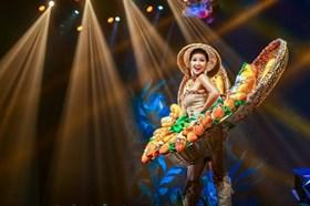 """""""Bánh mì"""" của Hoa hậu H'Hen Niê liên tục xuất hiện trên báo Mỹ"""