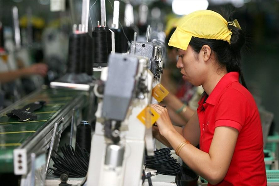 Thị trường tuyển dụng cuối năm tại Việt Nam khá sôi động, đặc biệt là nhóm lao động phổ thông (Ảnh minh họa)