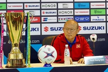 HLV Park Hang-seo lo ngại tuyển Việt Nam sẽ bị áp lực từ CĐV nhà