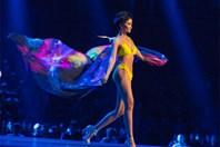 H'Hen Niê trình diễn bikini nóng bỏng trong đêm chung kết Miss Univers