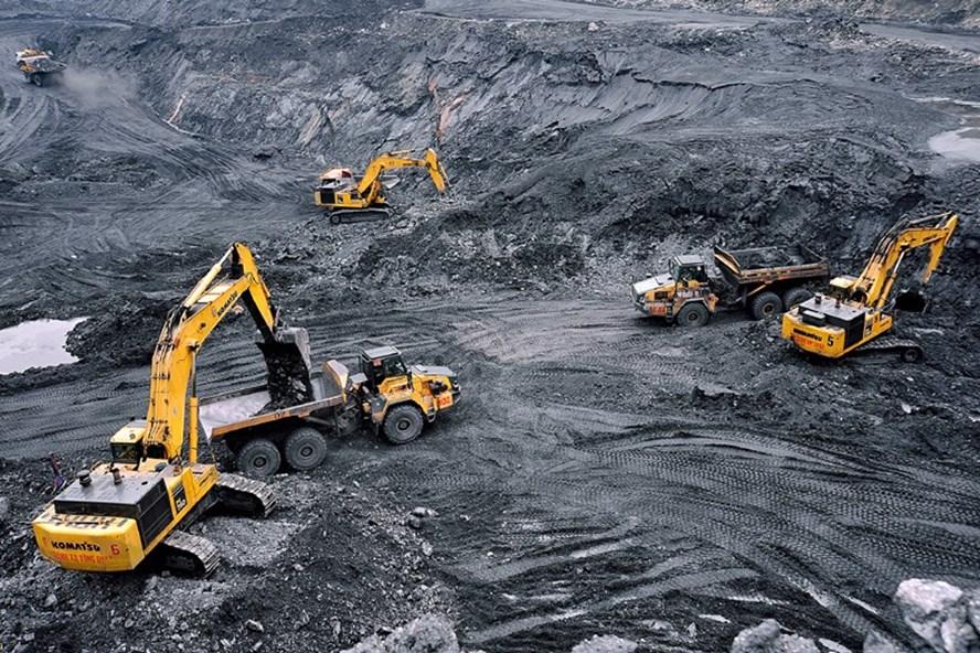 Khai thác than tại Công ty Cổ phần Than Cọc 6. Ảnh: PV