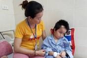 Lời khẩn cầu của người mẹ có con 8 tuổi bị bệnh u não