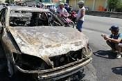 Ôtô Camry cháy trơ khung khi đang chạy ở Bà Rịa - Vũng Tàu