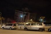 Đài Loan chao đảo vì động đất vào nửa đêm: sập 5 tòa nhà, hơn 200 người thương vong