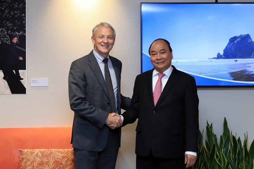 Thủ tướng Nguyễn Xuân Phúc gặp Thị trưởng Auckland, New Zealand Phil Goff. Ảnh: TTXVN.