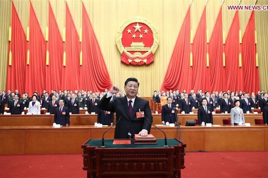 Chủ tịch Tập Cận Bình tuyên thệ trung thành với Hiến pháp ngày 17.3.2018. Ảnh: Tân Hoa xã
