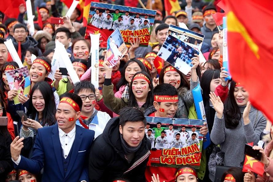 Đừng quên những gì bóng đá và U.23 Việt Nam mang lại cho người dân Việt Nam. Ảnh: H.A