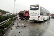 Vụ xe khách đâm xe cứu hỏa: Tài xế xe khách nhờ luật sư trợ giúp pháp lý