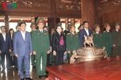 Chủ tịch Quốc hội dâng hương tưởng nhớ Bác Hồ