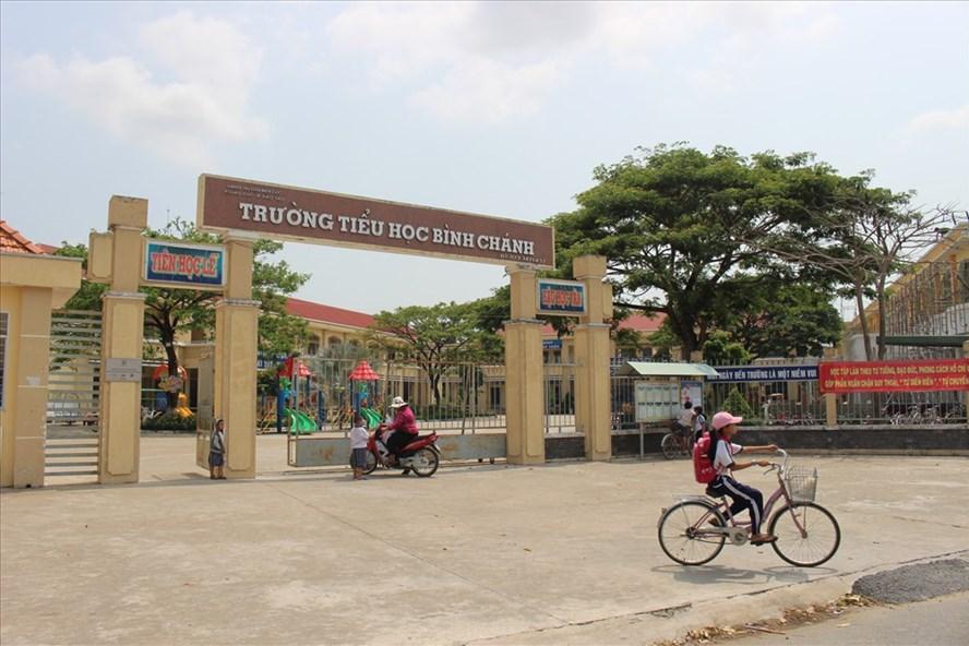 Trường TH Bình Chánh trong ngày thay đổi lãnh đạo.