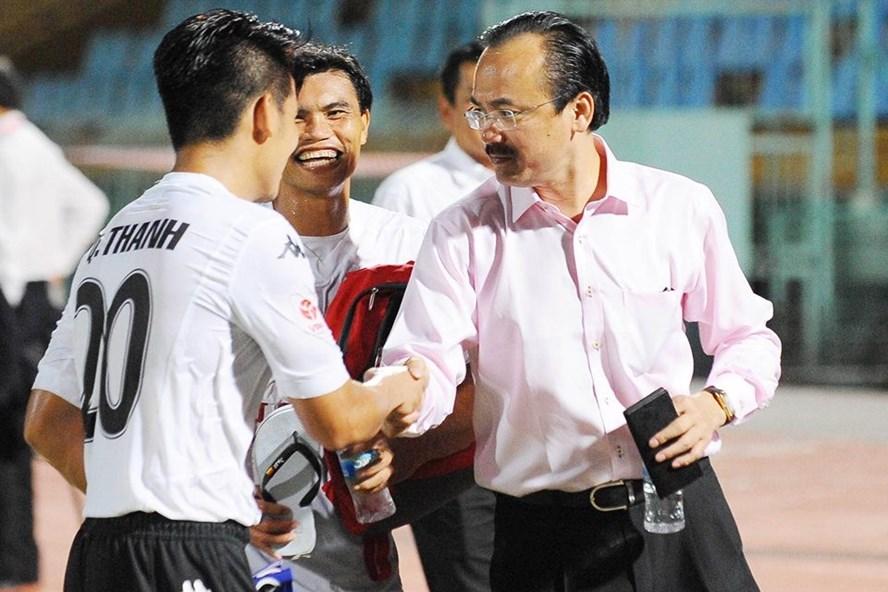 Cựu vương V.League CLB Long An có nguy cơ giải tán nếu như bầu Thắng rút tài trợ sau những mâu thuẫn với VPF. Ảnh: Tuấn Trần