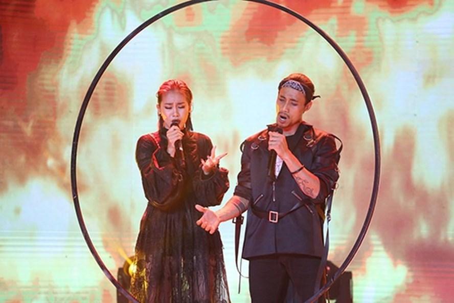 Phạm Anh Khoa và Phạm Lịch trong gameshow Trời sinh một cặp.