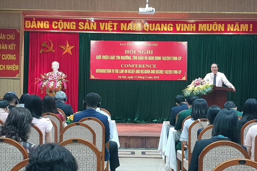 TS Vũ Chiến Thắng - Trưởng ban Tôn giáo Chính phủ phát biểu khai mạc Hội nghị.