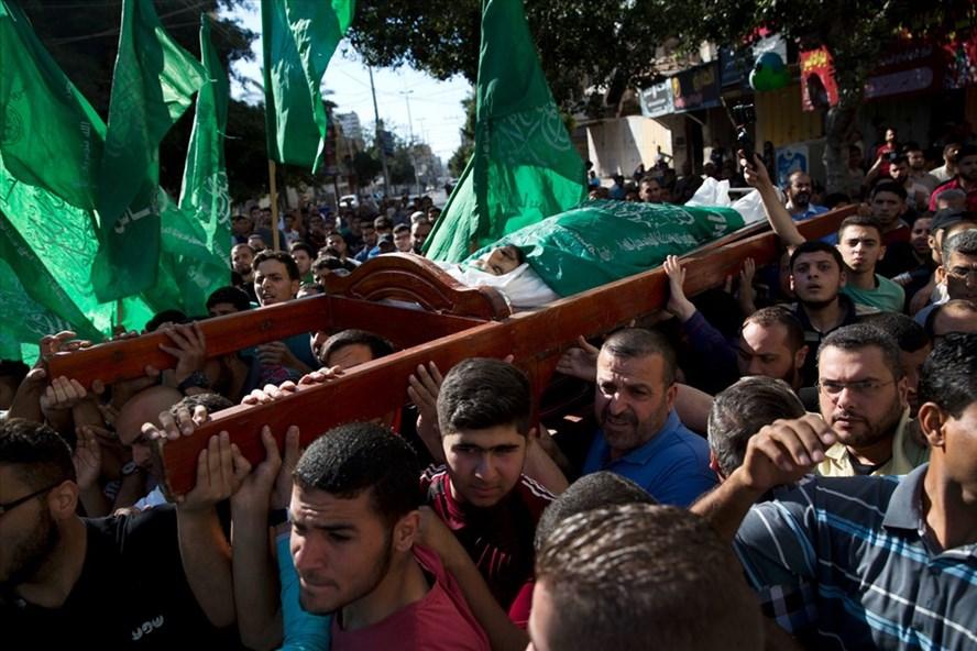 Người biểu tình Palestine bị bắn chết hôm 14.5. Ảnh: AP