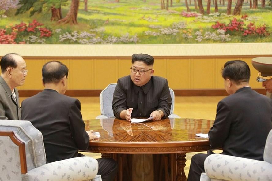 Triều Tiên tuyên bố có thể xem xét lại cuộc gặp thượng đỉnh Kim Jong-un-Donald Trump.