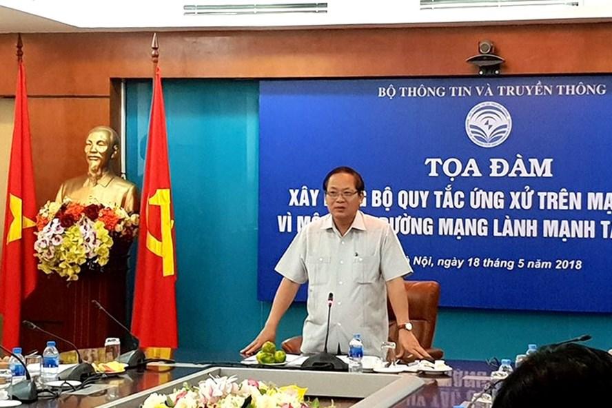 Bộ trưởng Bộ TTTT Trương Minh Tuấn chủ trì toạ đàm. Ảnh: HN
