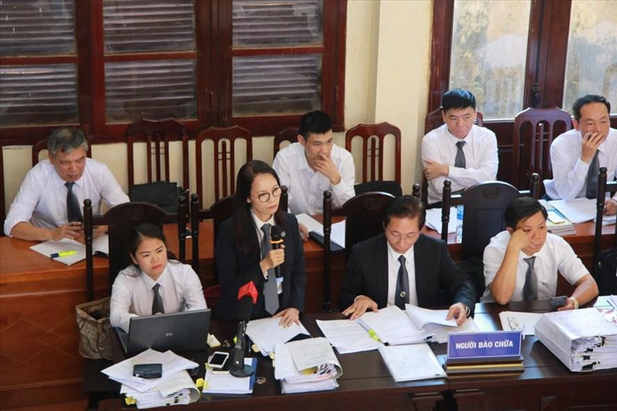 Các luật sư tham gia phiên xét xử trong suốt 12 ngày qua