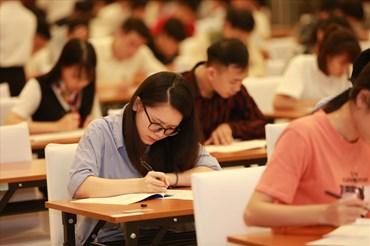 Thí sinh tập trung làm bài thi ở Vòng thi GSAT